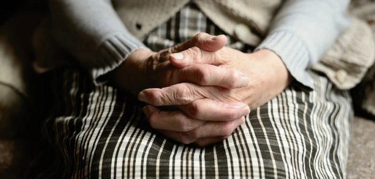 anciana expulsada de casa