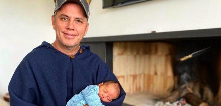 Hija de José Miguel Viñuela tiene cuatro meses