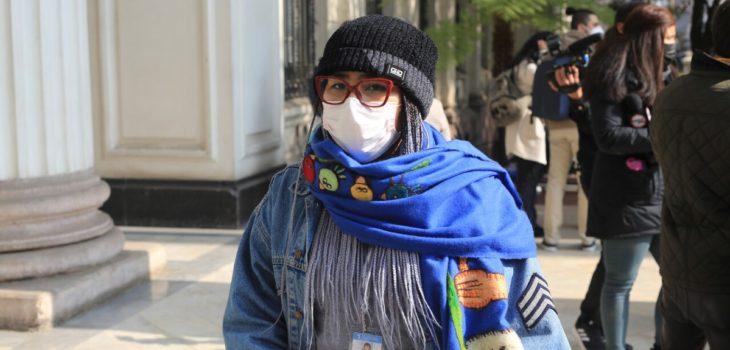 Constituyente Valentina Miranda fue atropellada mientras conducía su bicicleta: automovilista escapó