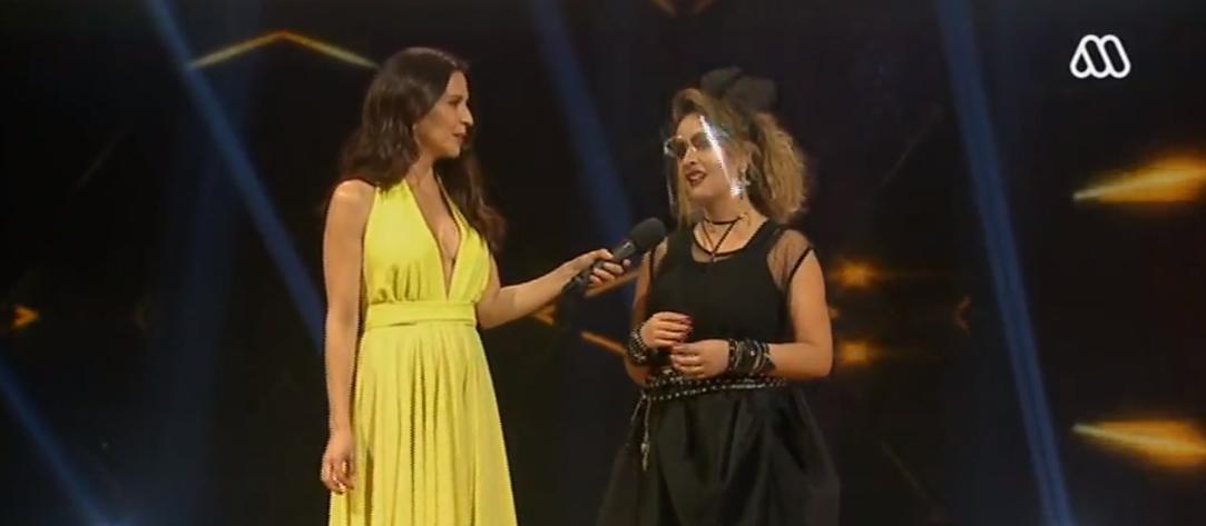 Karla Constant se emocionó en eliminación de The Covers