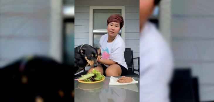 """No salió como esperaba: tiktoker sufre """"revés"""" de su perro al intentar probar que era vegetariano"""